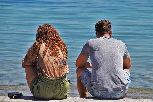 Párkapcsolati válság megoldása beszélgetéssel