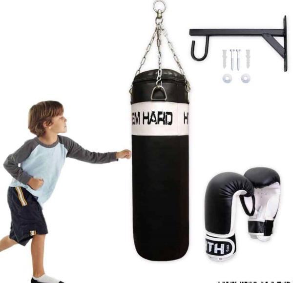 Jól működhet egy szobában felakasztott bokszzsák, ahol lehet dühöngeni.