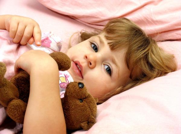 Mit tegyek, ha a gyerek fél elaludni?