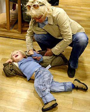 Mit tegyünk, ha elváláskor sír, hisztizik a gyermekünk?