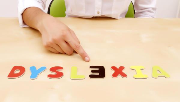Tanulás egyéb területein tapasztalható diszlexiás tünetek
