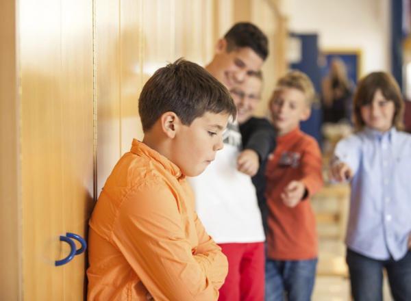 A gyermekem iskolai bántalmazás áldozata Mit tegyek, ha gyermekem iskolai bántalmazás áldozata?