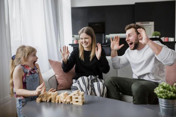 Játékos elfoglaltság együtt a családnak