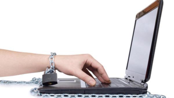 Internetfüggőség tünetei