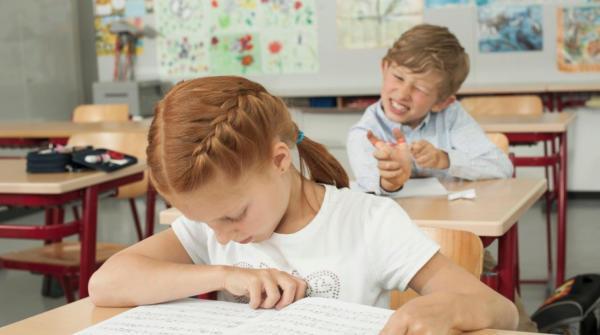 Iskolaváltás. Hogyan váltsunk iskolát? - 2. rész Segítsünk az iskolaváltással járó stressz leküzdésében