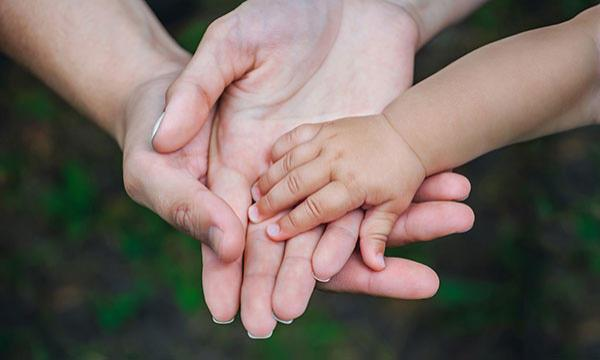 Az olvasás előnyei a gyermeknevelés szempontjából Egymásra hangolja a gyermeket, és a szülőt