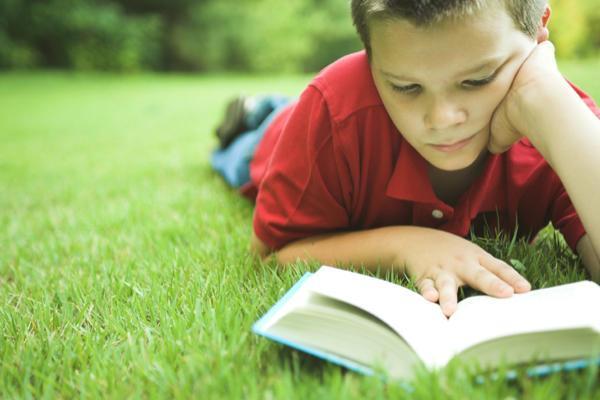 Miért olvassanak a gyerekek önállóan? Miért jó, ha sokat olvasnak a gyerekek?