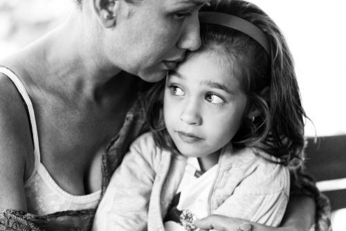 Tanácsok túlérzékeny gyereket nevelő szülőknek Túlzott féltés feloldása