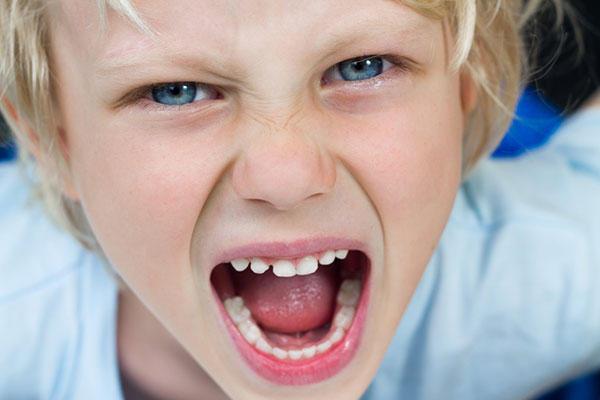Szülői elidegenítés szindróma jelei gyereknél