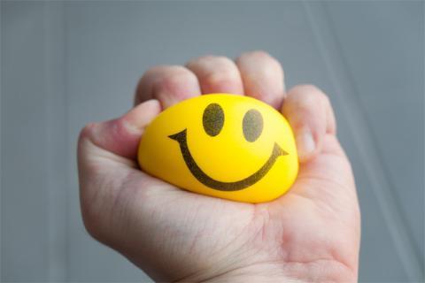 A szülői elidegenítés jelei: a szülő tudatosan gyengíti a gyereket