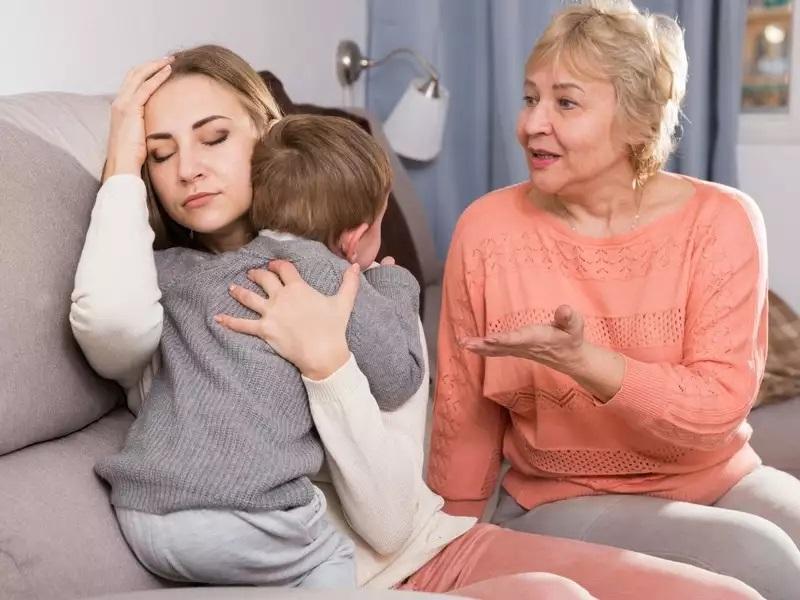 A válás utáni lelkiismeret furdalás legyőzése a szüleid visszajelzéseitől is függ